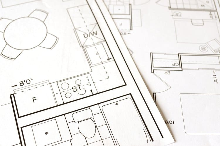 Polisa dla domu w budowie zapewnia wypłatę odszkodowania w razie szkody na różnych etapach budowy.