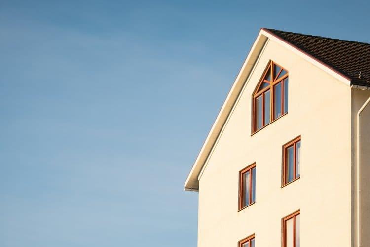 Anomalie pogodowe, powódź, pożar czy kradzież z włamaniem to zdarzenia, od których ubezpieczysz dom.